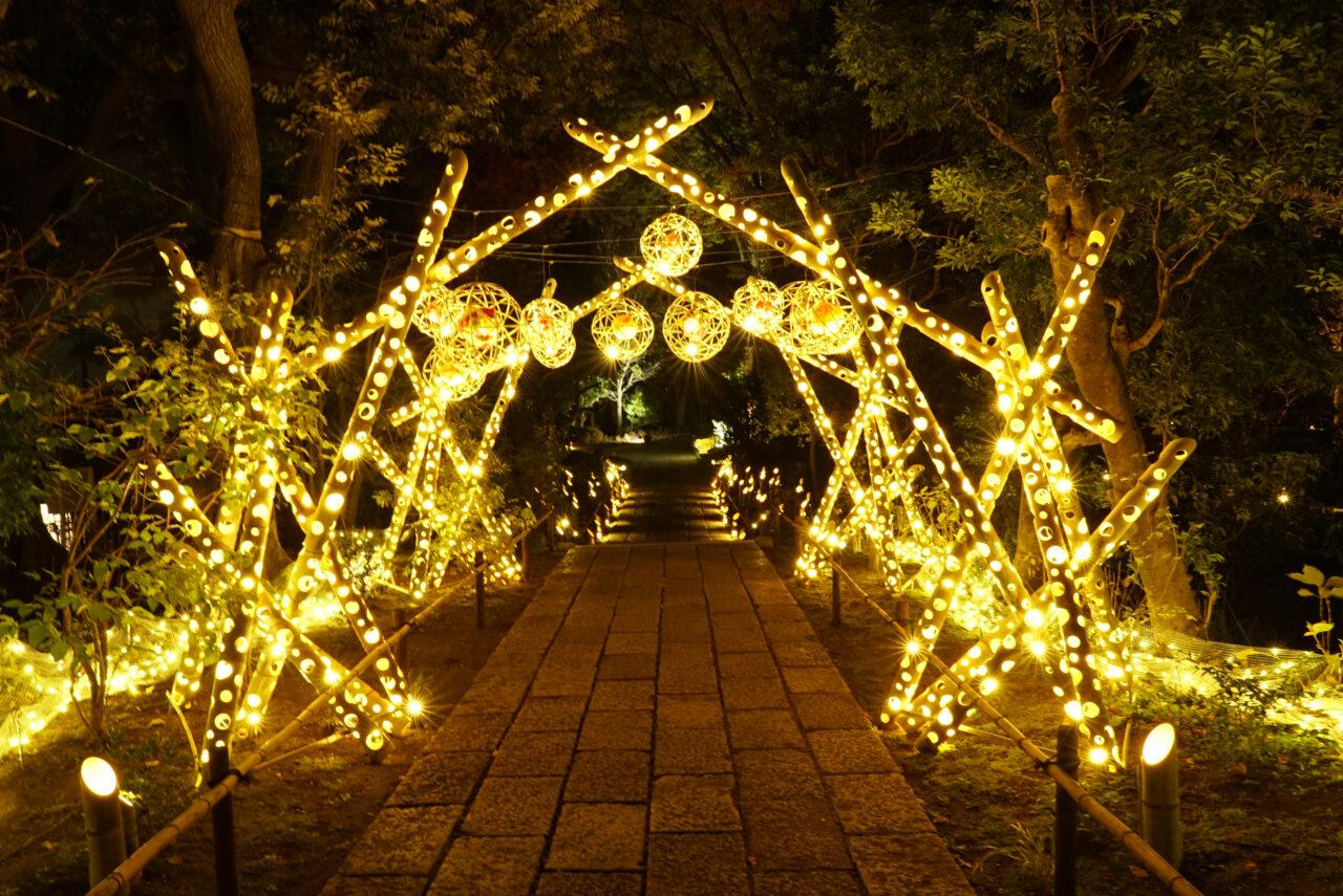 光のトンネル「花灯小路」