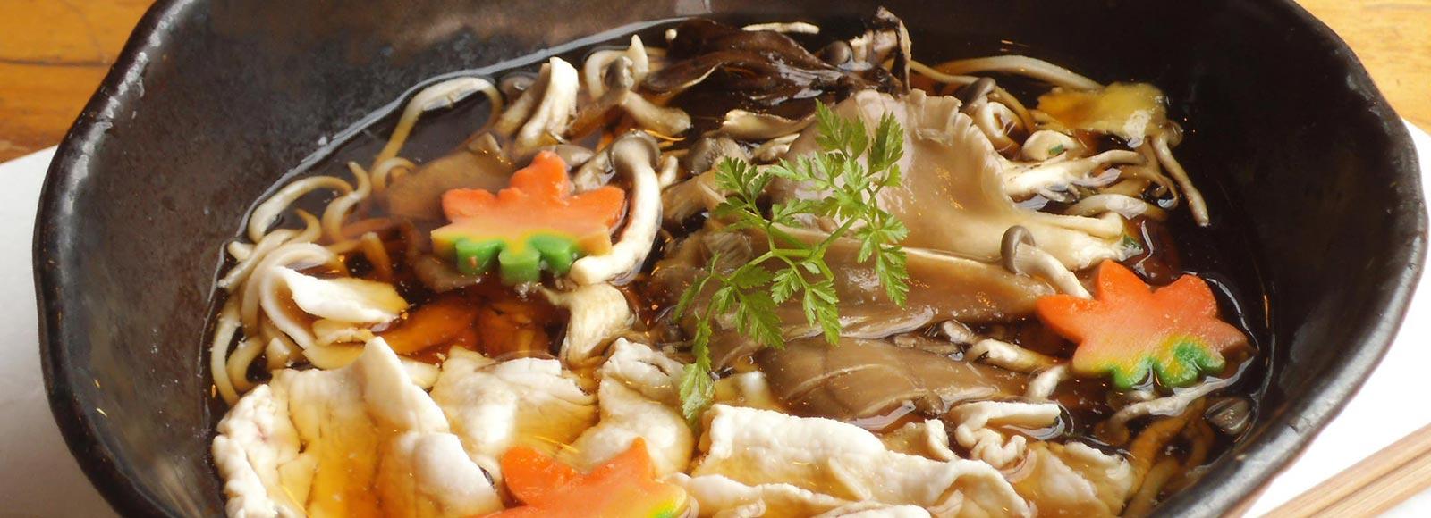 「和」の雰囲気を楽しめる食事処